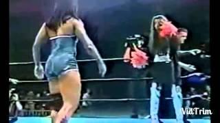 شاهد للكبار فقط +18 فضيحة المصارعة النسائية مواقف مضحكة و محرجة!!