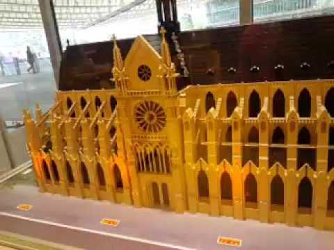 Cathédrale Notre Dame de Paris en Lego.
