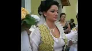 Dasma Shqiptare - Artanit
