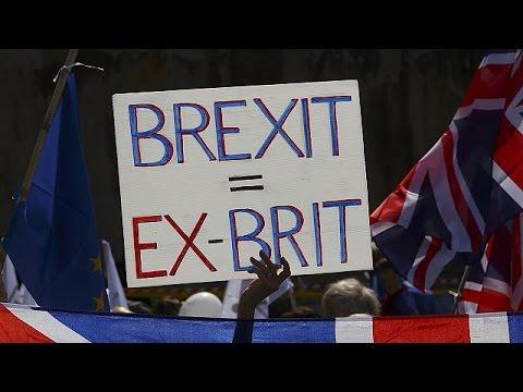 Χιλιάδες διαδηλωτές στην πορεία κατά του Brexit στο Λονδίνο