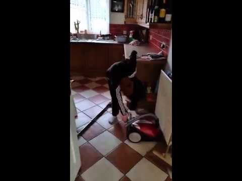 Irish dad gives son instructions on how to turn on the vacuum