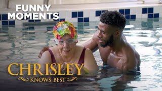 Chrisley Knows Best | Nanny Faye Is Really Loving Her Swim Lesson | Funny Moments | S7 Ep4