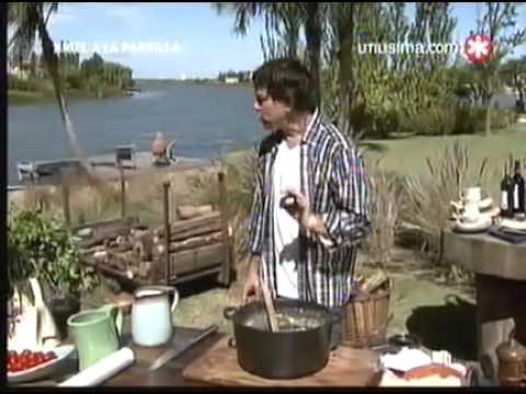 Ariel a la Parrilla   26 06 11  Chivo a las llamas, ensalada de pepino y polenta grillada