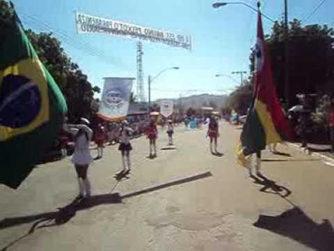 DESFILE DO COL. EST. GRICON E SILVA DE RIANÁPOLIS EM SÃO PATRÍCIO-GO - 19.08.2011..mpg