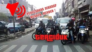 Video 25 Reaksi Lucu Pelanggar Lalu lintas Ditegur Lewat Pengeras Suara MP3, 3GP, MP4, WEBM, AVI, FLV April 2019