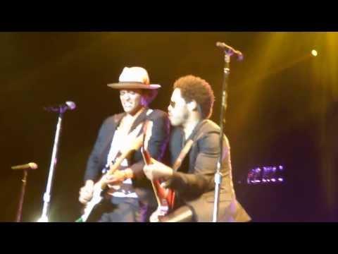 Bruno Mars - PARIS - The Moonshine Jungle Tour 2013 : Lenny Kravitz Are You Gonna Go My Way (HD)