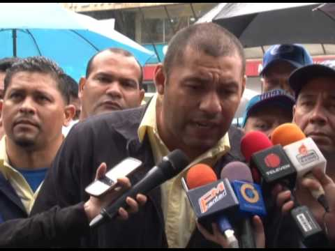 Integrantes de Justicia Obrera exigen mejores salarios para los trabajadores