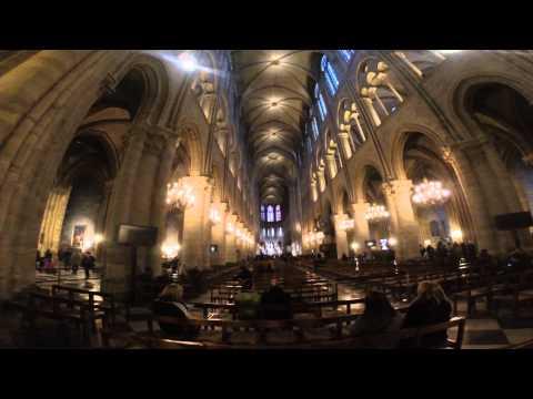 Dentro da Catedral de Notre Dame - Inside Notre-Dame Cathedral - Paris