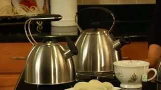 2 Quart Heritage™ Stainless Kettle Demo Video Icon