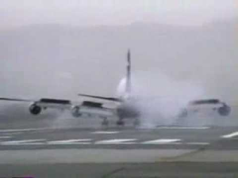 Crosswind Landings at osaka(It recorded about 20 years ago.)