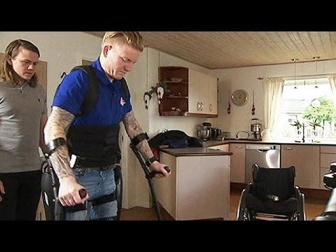 Δανία: Περπάτησε ξανά με τη βοήθεια ρομποτικού εξωσκελετού