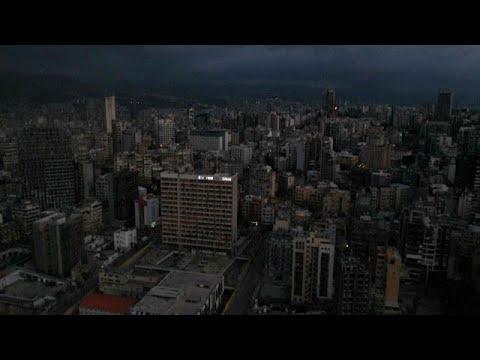 Plongée dans le noir, la capitale Beyrouth est-elle en train de s'effondrer ?