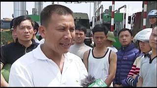 (VTC14)_Hàng trăm xe phản đối thu phí QL32 tại Phú ...
