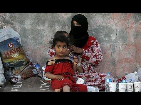 Η Ατζελίνα Τζολί σε καταυλισμό προσφύγων στην Τουρκία
