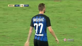 Gabigol entrou no segundo tempo e teve boa atuação na vitória da Inter de Milão sobre o Lyon, por 1 a 0, na Champions Cup.PROGRAMAÇÃO DO ESPORTE INTERATIVO NO YOUTUBE:Segunda (11h) - Na Gaveta do Mauro BettingSegunda (18h) - Gol de OuroTerça (11h) - VSRankingQuarta (11h) - De SolaQuinta (11h) - TabelandoSexta (11h) - Polêmicas Vazias