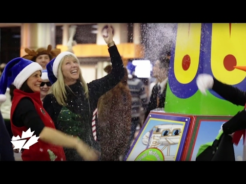 WestJet - http://fly.ws/XmasMob How do you turn a sleepy boarding lounge into the North Pole in 60 seconds? On December 4, we decided to surprise 166 guests waiting to...