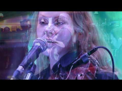 Niamh Ní Charra - Cailleach an Airgid