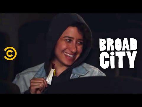 Broad City - Movie Day