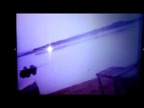 momento - Vídeo mostra o exato momento em que o helicóptero Robinson R-44 Raven 2 caiu no Lago de Furnas em Fama, por volta das 12h de sábado, 20 de setembro de 2014. Com a queda, morreram os passageiros...