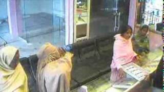 Robbery Of Gold Jewellery Shop Caught On Tape