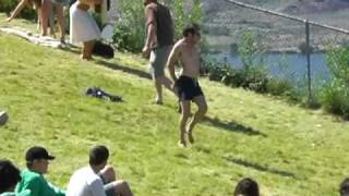 A Guy Started Dancing Alone - But What Happened Next Was Amazing (y)