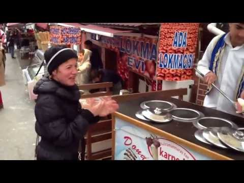 Πως σερβίρουν το παγωτό στην Κωνσταντινούπολη!