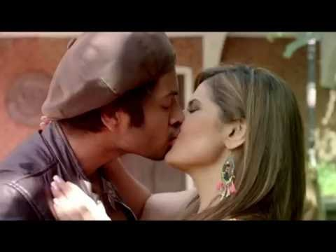 Video Zarine Khan all hot and kissing scenes from Pyaar Maanga hai tumhi se song download in MP3, 3GP, MP4, WEBM, AVI, FLV January 2017