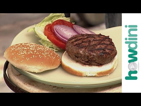 Executive Chef Show How to Make the Perfect Hamburger on the Grill