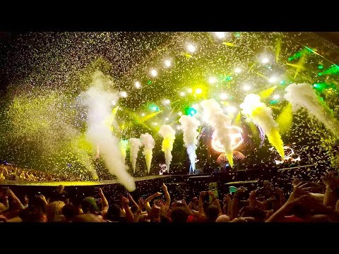 "WIZ KHALIFA LIVE @ SZIGET 2017 : ""We Dem Boyz"" & ""Young, Wild And Free"""