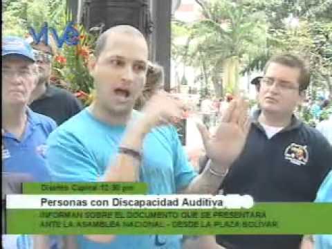 Solicitan que el lenguaje de señas sea reconocido en la Constitución