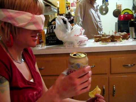 Hot girl-wife drinking cheap beer (видео)