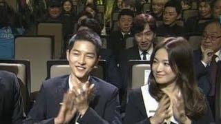 Download Video Song Joong Ki & Song Hye Kyo [ENG SUB] Highlights & Speeches @ Korea Popular Culture & Arts Awards MP3 3GP MP4