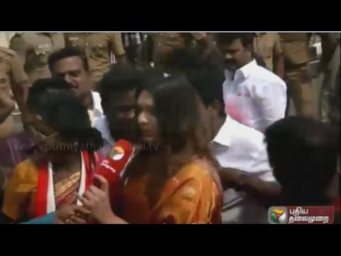 ADMK-Workers-Strated-Celebrations-in-Poes-Garden-Chennai