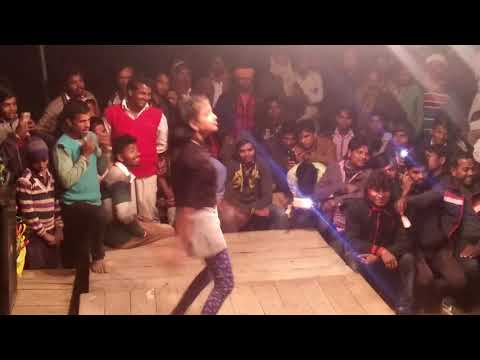 Video HOT BHOJPURI DANCE 14 saal ki ladki ka Bhojpuri ORCHESTRA Dance 2018 download in MP3, 3GP, MP4, WEBM, AVI, FLV January 2017