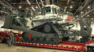 Video Loading and moving the World's largest hydrostatic bulldozer, the Liebherr PR776 MP3, 3GP, MP4, WEBM, AVI, FLV Januari 2019
