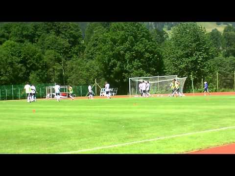 Μαθήματα ποδοσφαίρου(vids+pics)