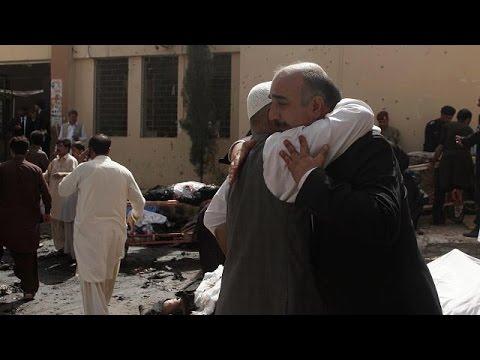 Πακιστάν: Πολύνεκρη επίθεση αυτοκτονίας – Αυξάνεται ο αριθμός των θυμάτων