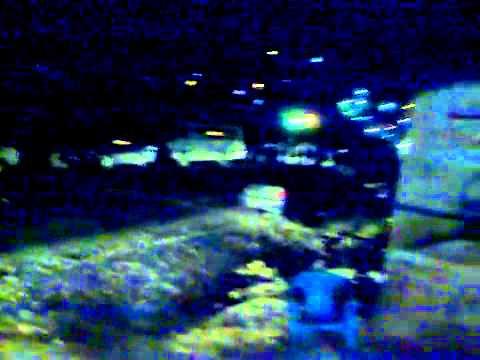 """بالفيديو .. بلطجية يعتدون على المعارض """"ليث شبيلات"""" في حراسة الأمن الأردني"""