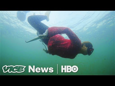 "Japan's Last ""Ama"" - The Female Fishers Who Free-Dive For Seafood (HBO) (видео)"