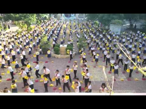 Múa hát sân trường tiểu học Tân Phong B