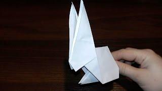 Як зробити паперового зайця (кроля, кролика) орігаміУ цьому відео ми з Вами дізнаємося, як зробити дуже прикольного зайця своїми руками зі звичайного паперу. Складати його ми будемо за технологією орігамі - стародавнього японського мистецтва.Робити кролика (зайця, зайчика) дуже легко, просто повторюйте за нами. Зайця цілком можна зробити, якщо Ви тільки-тільки пізнаєте ази орігамі. Тобто це відео у нас: орігамі для новачків (для початківців).Особливо сподобається така паперова саморобка, всім, хто народжений в рік кролика за східним календарем і як на подарунок.Опис відео:00:06 Нам знадобиться квадратний аркуш паперу.00:07 згинаємо навпіл.00:27 робимо крок №200:44 крок №301:10 крок №4і продовжуємо далі, згідно відео.10:45 Все! Саморобка з паперу готова. І тепер Ви знаєте, як зробити паперового зайця (кролика) своїми руками в техніці орігамі!Підписуйтесь на наш канал «Розумна дитина»(YouTube канал Розумна Дитина):https://www.youtube.com/channel/UCpKlZnl88hGmT363eG4mtEgДивіться, як зробити класну паперову іграшку у вигляді гармошки (Орігамі райдужна пружинка, орігамі «Райдуга») тут: http://youtu.be/itETbru8OYMЯк зробити голуба з паперу дивіться тут: http://youtu.be/pxeab6l5YcMЯк зробити квітку тюльпан дивіться тут: http://youtu.be/IAhIg3XJqU8Як зробити гарне серце дивіться тут: http://youtu.be/NmjhMP5BVLkЯк зробити гарний конверт відео урок тут: http://youtu.be/6lKJFnx50BsОрігамі паперова жаба (жабка), що стрибає http://youtu.be/ts5fxLkWhpM