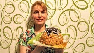 Как приготовить торт муравейник за 10 минут из печенья со сгущенкой. Ингредиенты на рецепт торта муравейник: Печенье, сгущенное молоко, масло сливочное, для ...