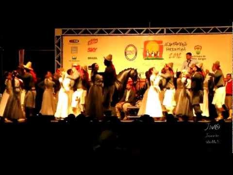 Danças Gaúchas - CTG Guapos do Itapuí em Porto Alegre (2)