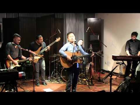 Sandhy Sondoro - Tak Pernah Padam @ Mostly Jazz 16/09/12 [HD]