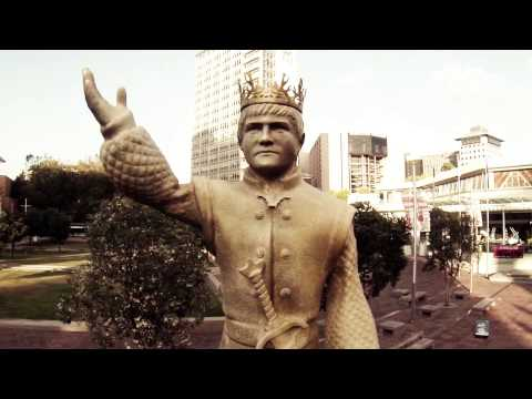 Down with King Joffrey! Campaign by DDB in Auckland uses tweets to pull down statue