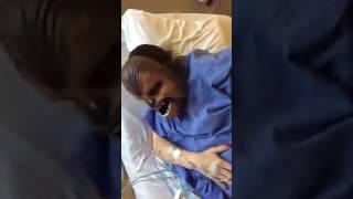 Американка надела маску Чубакки во время родов