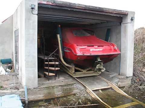 как загнать лодку в гараж