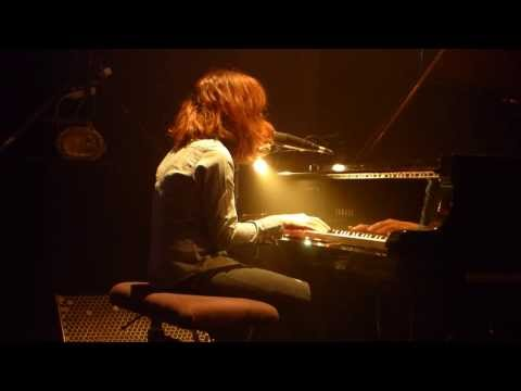 Shannon Wright solo - Louise (live)