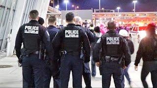 Video Muslim Ban at JFK Airport MP3, 3GP, MP4, WEBM, AVI, FLV Juni 2018
