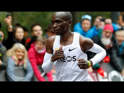 Ο Κιπτσόγκε ο πρώτος άνθρωπος που έτρεξε μαραθώνιο σε λιγότερο από δύο ώρες …